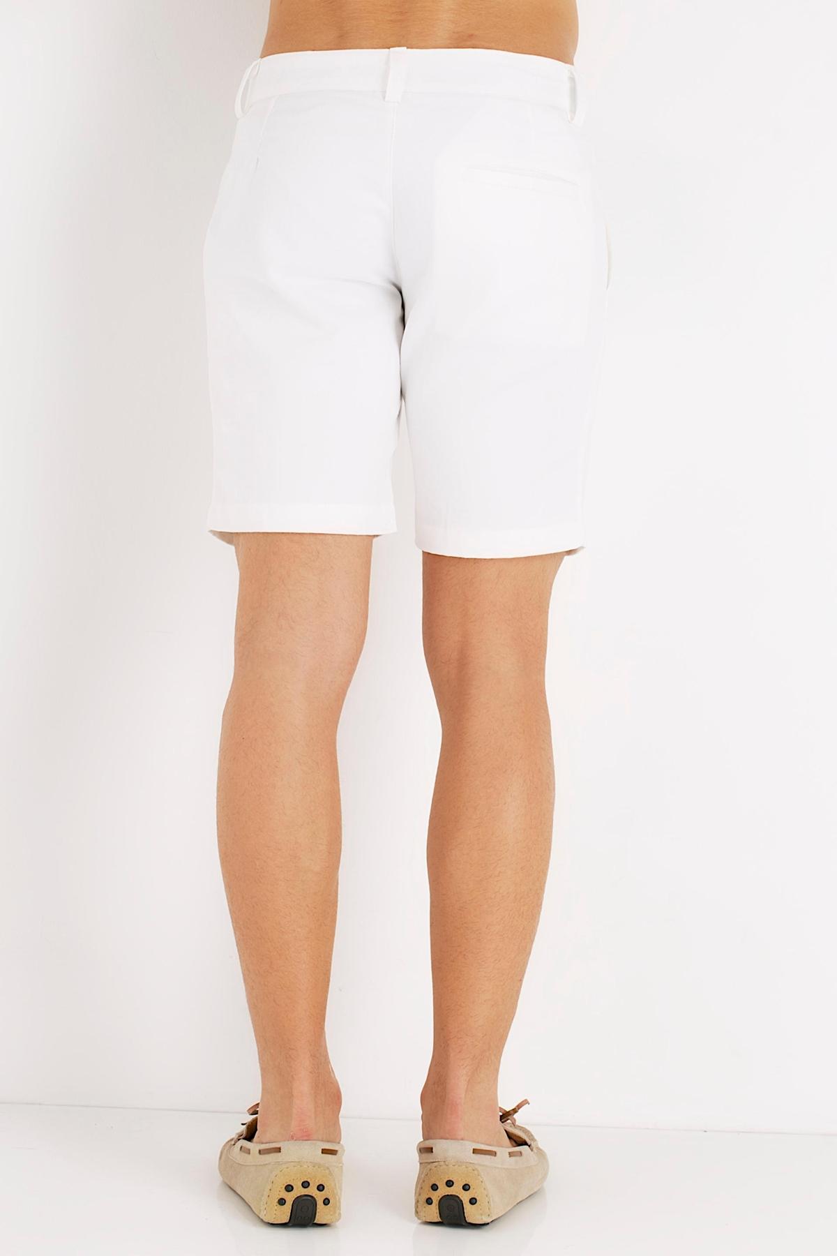 กางขาสั้น สีขาวโอโม่