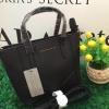 Charles & Keith Mini saffiano handbag *สีดำ