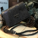 GUESS SHOULDER BAG-ดำ