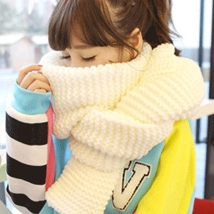 ผ้าพันคอไหมพรม เกาหลี กันหนาว สีขาว เข้าได้กับทุกชุด