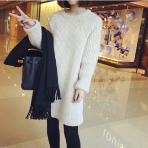 Sweater เสื้อไหมพรมถักแขนยาว สีครีม