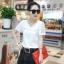 เสื้อแฟชั่นเกาหลีแขนสั้น ผ้าชีฟองลายนูน แต่งมุก แขนลูกไม้ สีขาว thumbnail 1