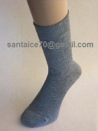 ถุงเท้า lamb wool ชั้นดี เปอร์เซ็นต์สูง ยาวประมาณครึ่งหน้าแข้ง
